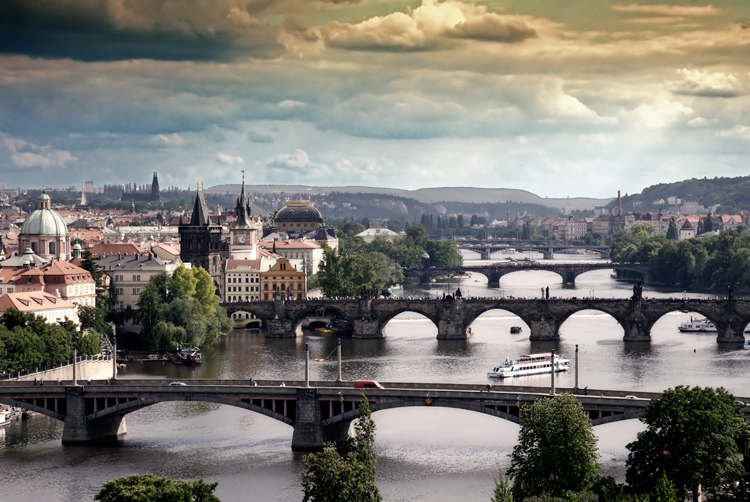 Of cities hunder towered city or the heart of europe
