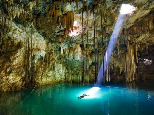 The Cenotes Mexico 300x225 Seven Wonders of the Diving World