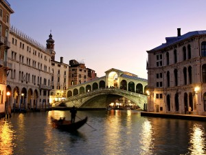 Rialto Bridge 300x225 Venice: A Guide to Visiting Venice