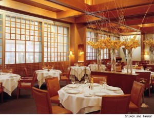 manhattan restaurant 300x231 Visit the Historic Wellington Hotel in New York City