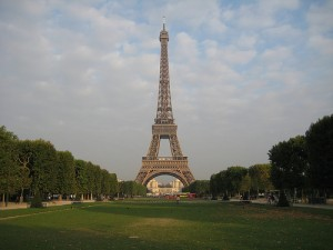 paris 300x225 4 Travel Tips for Seeing Europe on the Cheap