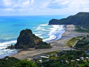 nz beaches piha 300x225 Top Five Beaches in New Zealand