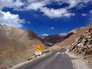 highway to Leh 300x225 Memorable Ladakh over a Fortnight