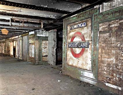 Haunted Tube Stations in London for Tourists to Explore Spooky Side of the City Haunted Tube Stations in London for Tourists to Explore