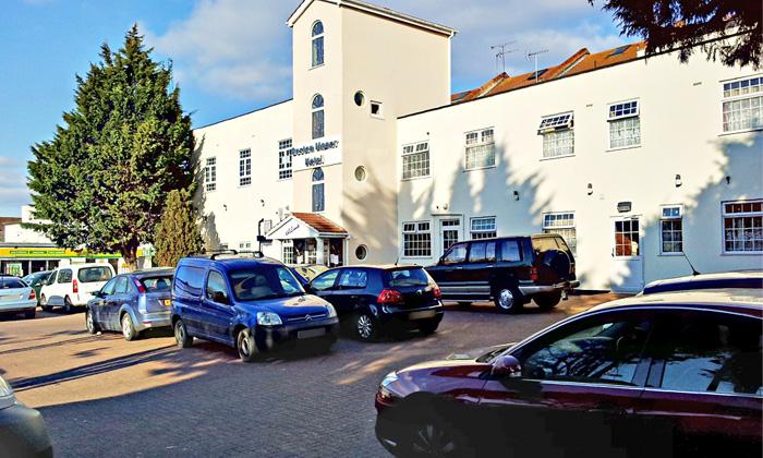 hotels near chiswick